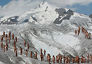 Фотография Spencer Tunick с аккции Гринпис http://www.greenpeace.org/international/news/naked-glacier-tunick-08182007