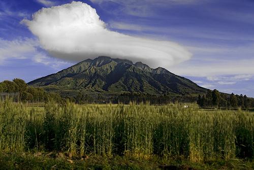 Вулкан Карисимби в Центральной Африке
